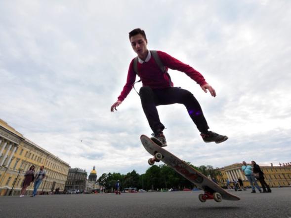 Vlad Grigorovitch, futur prêtre et vrai hipster, estime que chaque séminariste a son histoire...