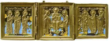 Un vétéran de la Wehrmacht remet une collection d'icônes anciennes à une église russe