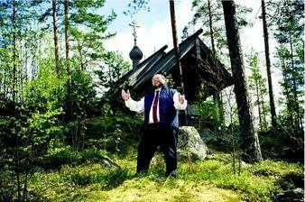 En Finlande, le prêtre qui ne veut plus seulement prier