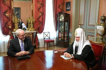 L'ambassadeur des Etats-Unis en Russie compte sur l'Eglise dans le rapprochement des deux pays