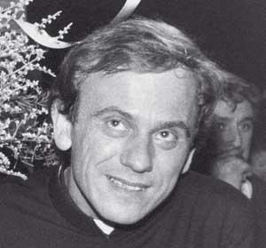 L'Ordre de l'Aigle blanc au père Popieluszko 25 ans après son assassinat