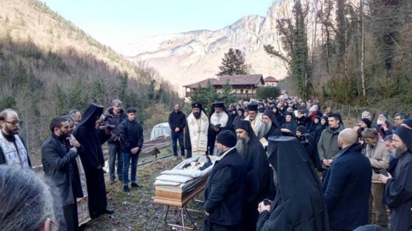 Décès de l'archimandrite Placide Deseille - un récit de ses funérailles