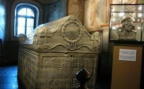Qui rachètera les reliques du saint prince Yaroslav le Sage?