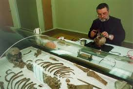 L'enquête a définitivement établi que les restes découverts près d'Ekaterinbourg sont bien ceux de Nicolas II et des membres de sa famille