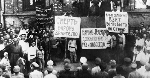 Exode de Crimée en 1920: des prêtres russes parlent des Blancs et des Rouges