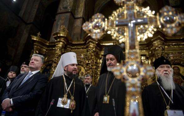 L'église ukrainienne schismatique: Philarète a perdu la bataille, mais il espère gagner la guerre?!
