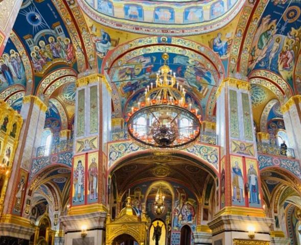 Le patriarche Cyrille a consacré la cathédrale de la Résurrection, dans le monastère Novodevitchi à Saint Pétersbourg