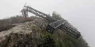 Christianophobie : la croix du pic Saint-Loup (Hérault) détruite par des laïcards