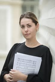 Marina Politova, maître de chorale de la cathédrale de la Sainte Trinité à Paris, va devenir responsable de la chaire des chorales du conservatoire Rachmaninov.