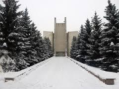 Lénine: des églises transformées en fours crématoires