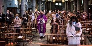 Les Français croient de moins en moins en Dieu, selon un sondage