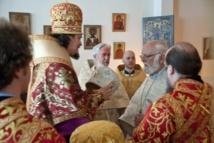 La Divine liturgie dans la paroisse Notre-Dame Joie des Affligés et Sainte Geneviève (Paris)
