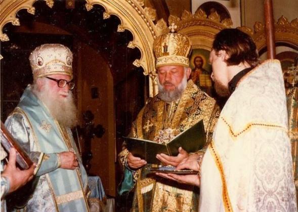 Le 5 juillet 2014 Sa Béatitude le métropolite Vladimir de Kiev et de toute l'Ukraine a été rappelé à Dieu