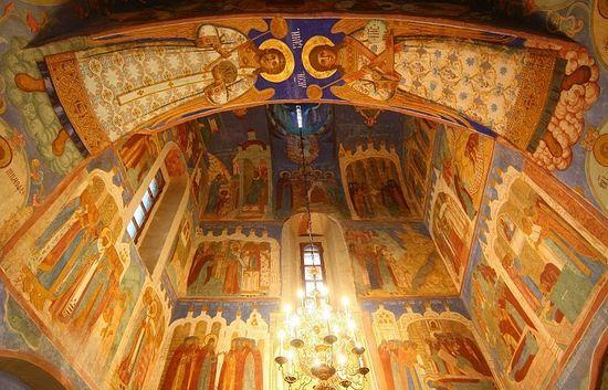 A la suite de 46 ans de travaux de restauration des fresque datant du XVII siècle sont de nouveau visibles à Souzdal