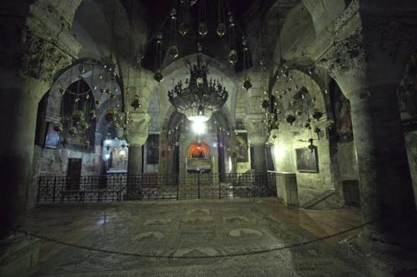 ORTHODOXES, CATHOLIQUES ET ARMÉNIENS VONT RESTAURER ENSEMBLE LE SAINT SÉPULCRE
