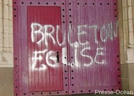 FRANCE: Vandalisme dans les églises