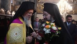 Philarète Denissenko et Macaire Maletitch, les deux leaders schismatiques, refusent d'être nommés à la tête de la nouvelle église autocéphale en Ukraine