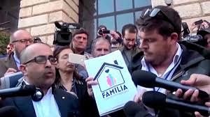 Les autorités italiennes rétablissent les mentions « père » et « mère » dans mes documents officiels