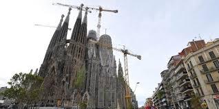 À Barcelone, 137 ans après la Sagrada Familia obtient  un permis de construire !
