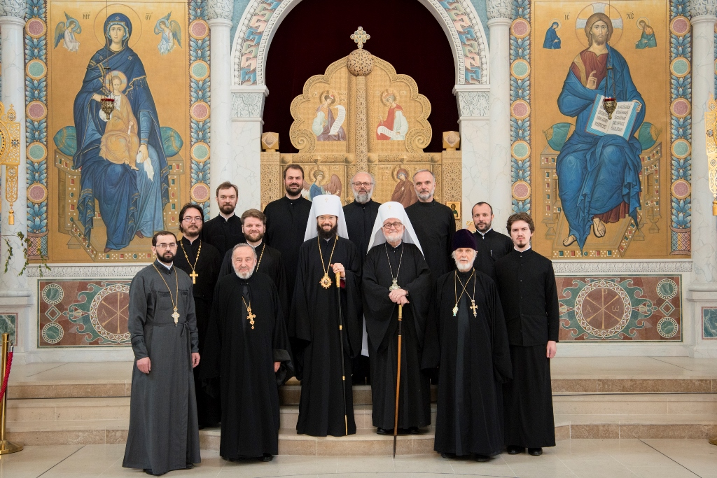 Concélébration de la divine liturgie à la cathédrale de la Sainte Trinité à Paris