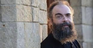 L'archimandrite Andreas (Konanos) le théologien de renommée internationale a annoncé qu'il démissionnait de la prêtrise. Pourquoi?