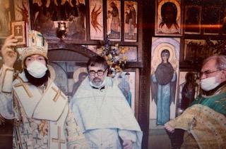 Le jour de l'Esprit Saint, Mgr Antoine a célébré la Divine Liturgie en l'église des Trois Saints Docteurs à Paris et a sacré prêtre le diacre Marc Andronikof