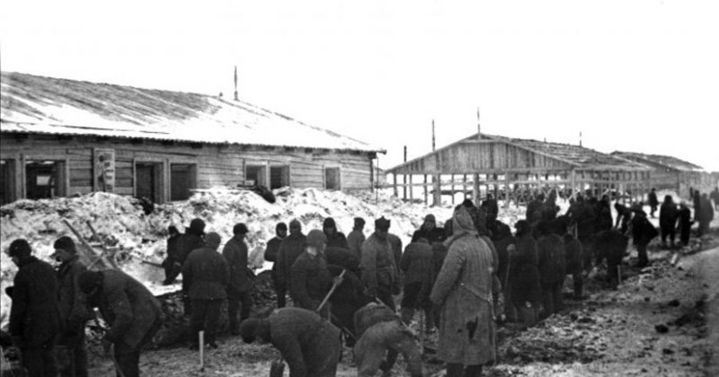 La célébration de Pâques par une église clandestine dans le camp de Solovki en 1929