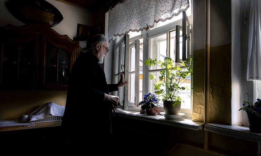 Une interview avec le père Pierre Mechtchérinov pour la recherche d'un christianisme « convenable »