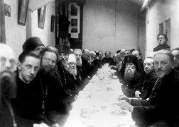L'ÉGLISE ORTHODOXE RUSSE EN FRANCE (Patriarcat de Moscou) 1931-2011 « LA SAINTE CAVE »