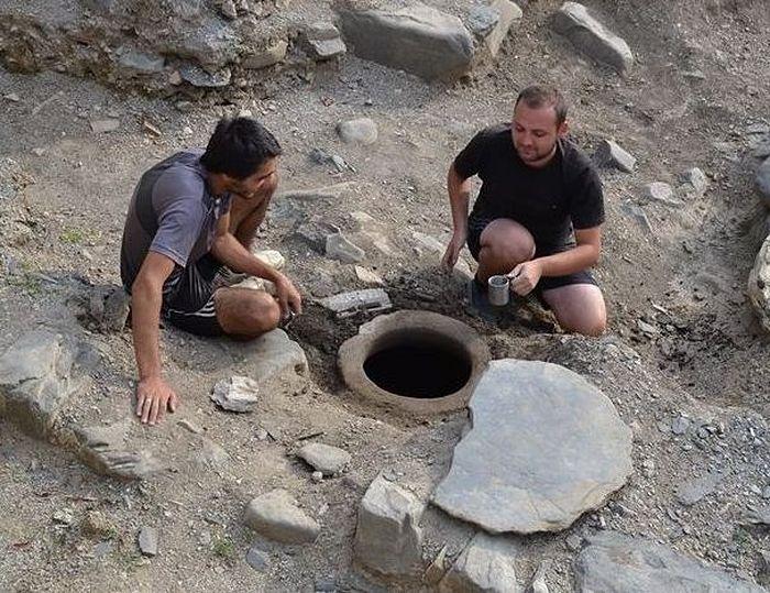 Un récipient contenant de l'eau bénite non corrompue depuis 1.300 ans a été trouvé en Géorgie
