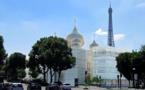 L'ensemble des cinq coupoles de la cathédrale quai Branly sont désormais installées
