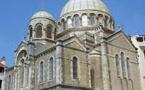 Biarritz : devant l'Hôtel du Palais, l'église russe en péril