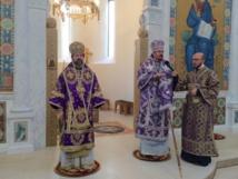 Monseigneur Nestor, évêque de Chersonèse, et Monseigneur Job, évêque de Telmessos ont célébré la Divine Liturgie à la cathédrale de la Sainte Trinité