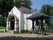 Mgr Nestor a célébré un office des défunts sur la tombe de la grande-duchesse Marie Romanov