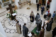 Mgr Jean, métropolite de Chersonèse et d'Europe occidentale, présida les matines du Vendredi Saint avec la lecture des douze évangiles