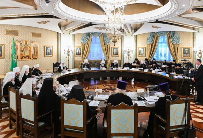 Son Éminence Antoine, le métropolite de Chersonèse et d'Europe occidentale a pris part à la session du Haut Conseil Ecclésial