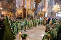 En la fête de saint Serge de Radonège, Monseigneur Antoine a pris part à la Liturgie patriarcale célébrée à la laure de la Sainte-Trinité près de Moscou