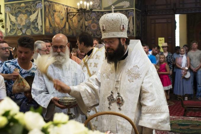 La fête de la Transfiguration du Christ: Exarque du Patriarche de Moscou en Europe occidentale a célébré la Divine liturgie en la cathédrale Saint Nicolas à Nice