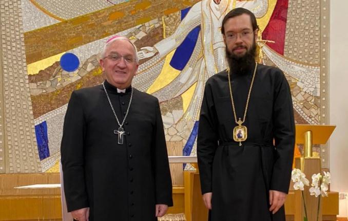 L'exarque patriarcal d'Europe occidentale a rencontré le nonce apostolique en France