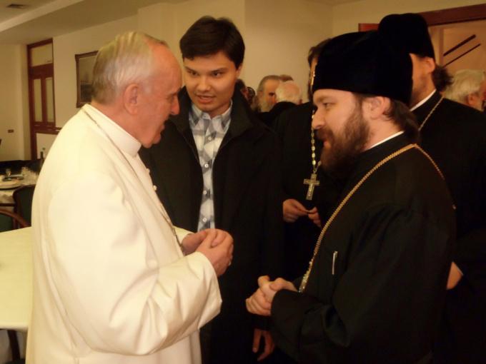 Le pape François a salué la délégation du patriarcat de Moscou venue pour la messe d'inauguration du pontificat