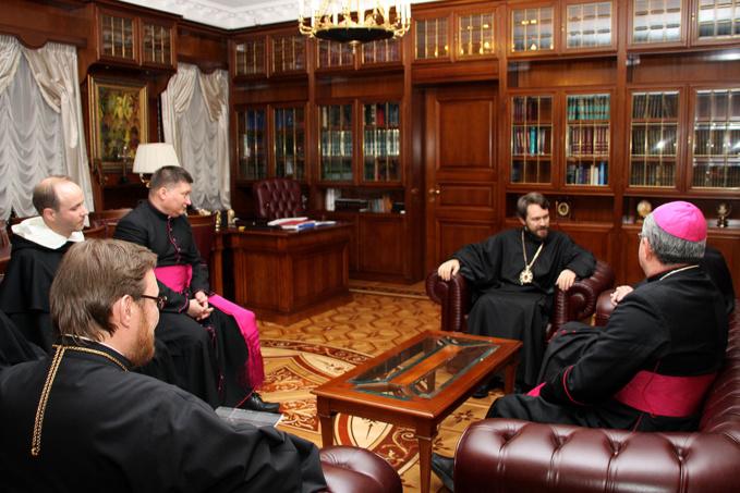 Rencontre à Moscou entre le métropolite Hilarion de Volokolamsk et le cardinal Kurt Koch