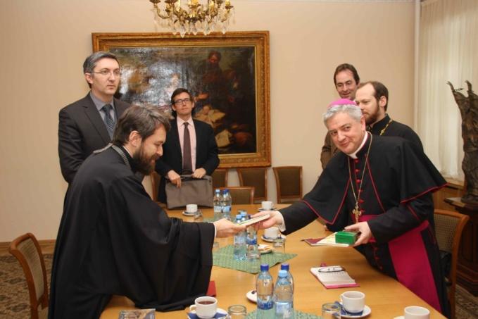 Mgr Marc Aillet reçu par le métropolite Hilarion de Volokolamsk à Moscou