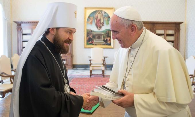 Rencontre entre le pape François et le métropolite Hilarion de Volokolamsk