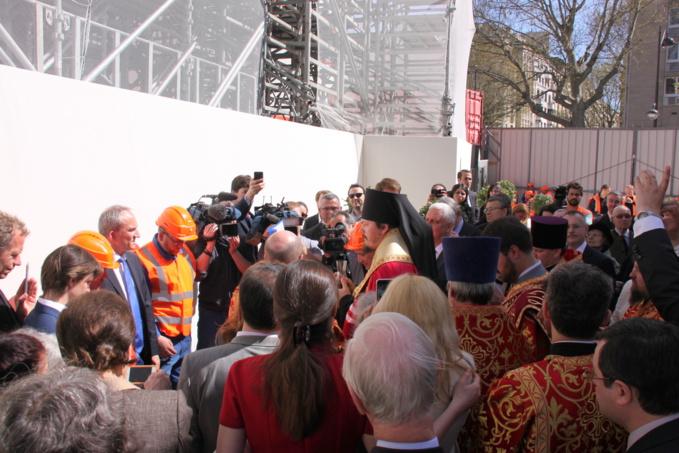 La première pierre de la nouvelle église orthodoxe russe à Paris posée le mardi de Pâques