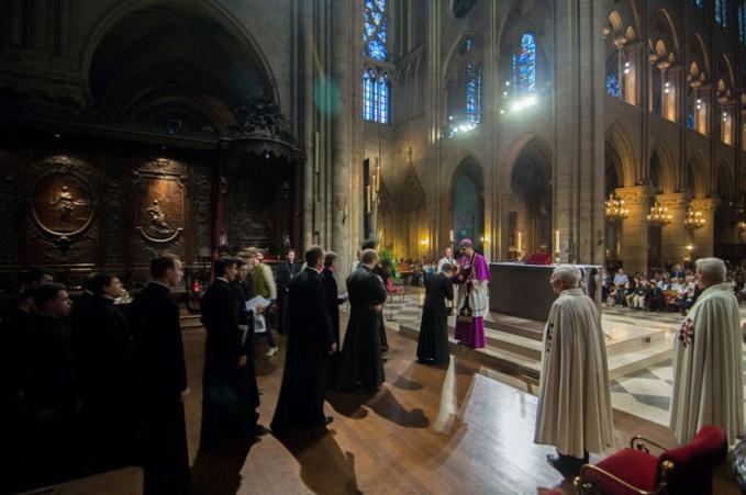 Les séminaristes du diocèse de Chersonèse et de Saint-Pétersbourg ont vénéré la Couronne d'épines à Notre-Dame de Paris