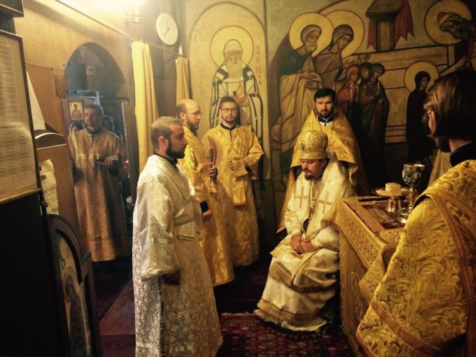Ordination diaconale à l'église des Trois-Saints-Docteurs à Paris