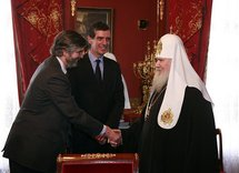 Le patriarche Alexis a reçu le président du Musée du Louvre et l'ambassadeur de France en Russie