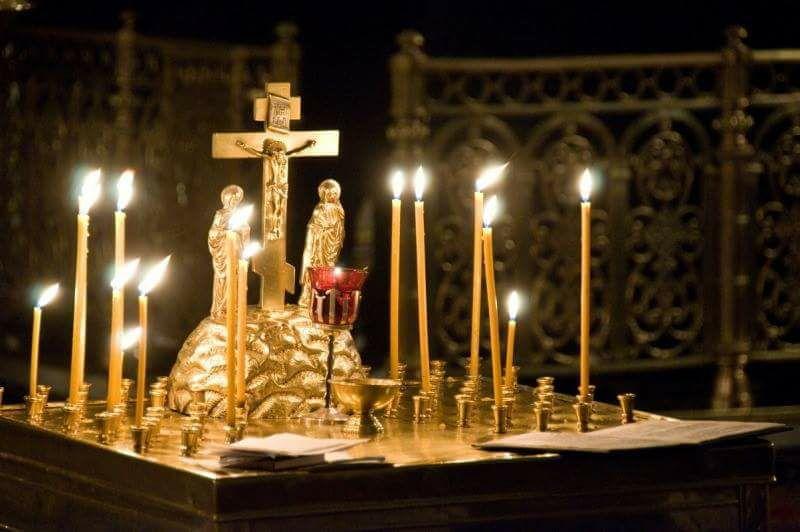Mgr Nestor, évêque de Chersonèse, a célébré en la cathédrale de la Sainte-Trinité un office de défunts en mémoire des victimes de l'attentat de Saint-Pétersbourg