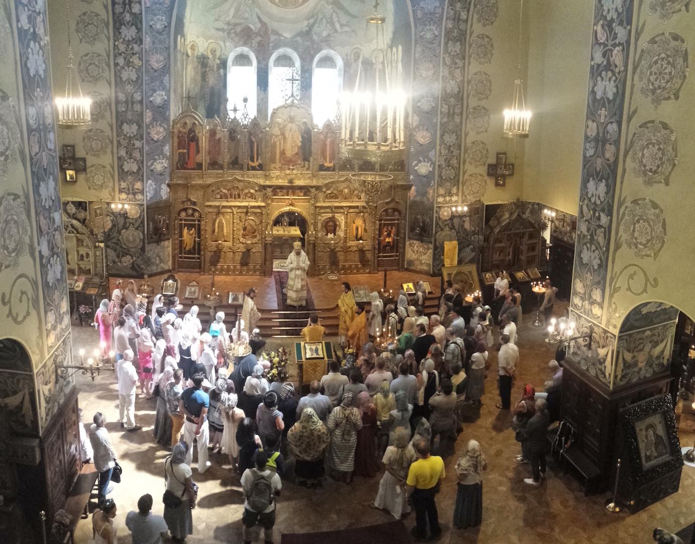 Visite pastorale à Nice de Monseigneur Nestor