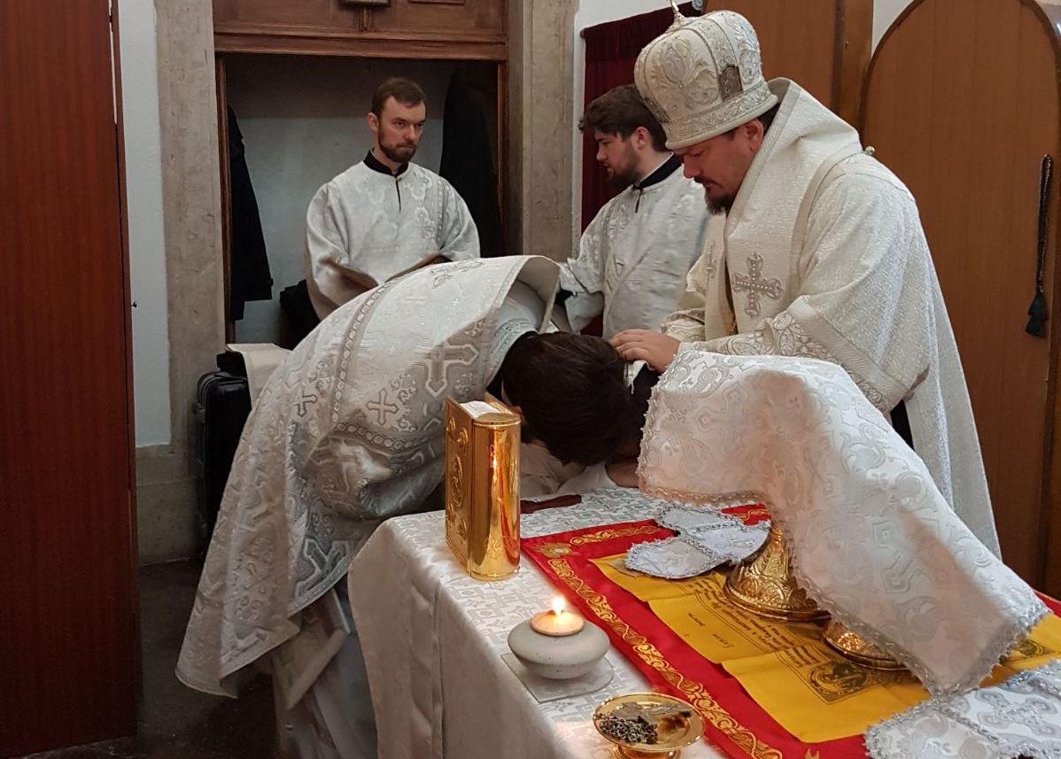 Mgr Nestor, évêque de Chersonèse, a conféré l'ordination presbytérale au diacre Antonio Teicheira